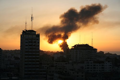 gaza burns por Al Jazeera English